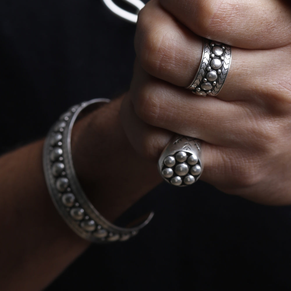 Charger l'image dans la galerie, BRACELET Double Studs Bangle