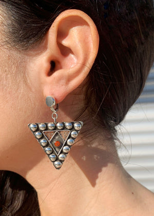 Load image into Gallery viewer, FIBULA STUDS EARRINGS