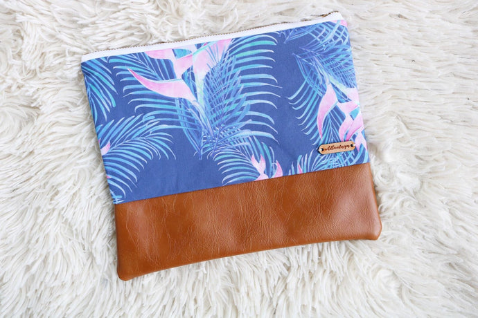 Heavenly Heliconia Clutch