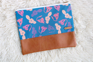 Pretty in Puakenikeni Clutch