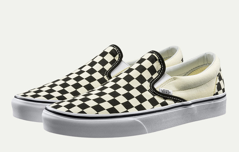 Vans Unisex Low-Top Classic Slip-On Skateboarding Sneakers