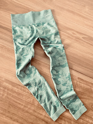 Salty Camo active leggings
