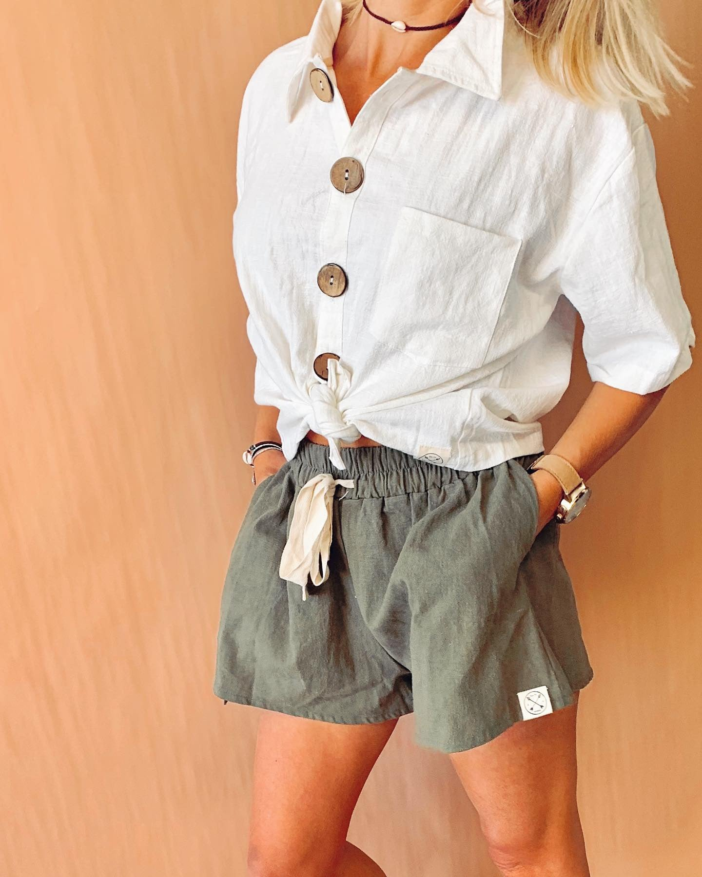 Ladies loose linen shorts