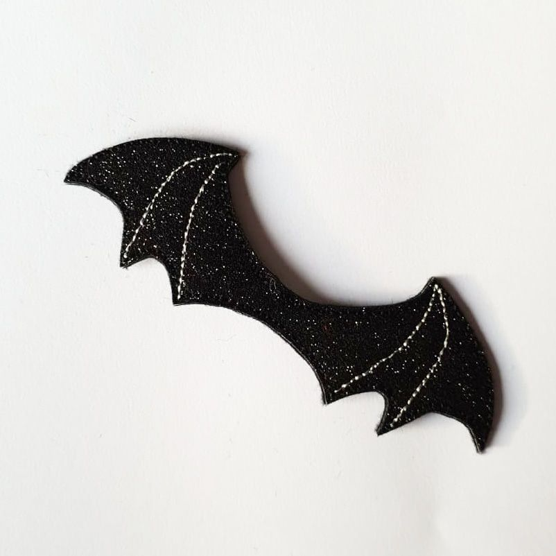 Glitter Bat Wing Bow Centre Feltie - Jolif The Craft Shop