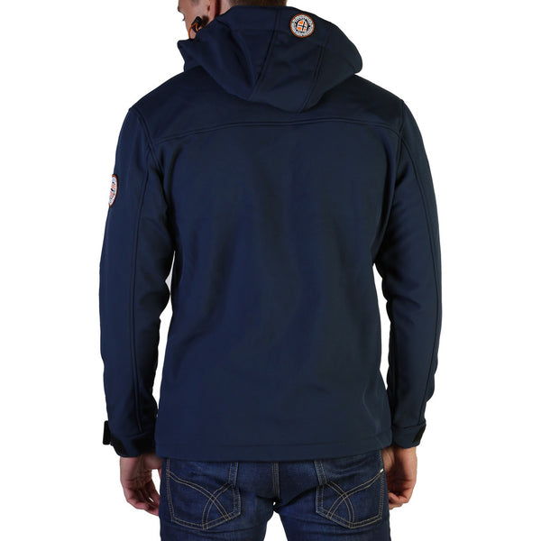 Geographical Norway - Takeaway_man
