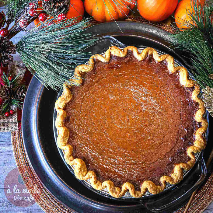 Holiday Signature Pumpkin Pie (Veggie)