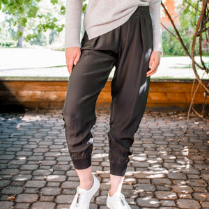 Woven Pull On Pant