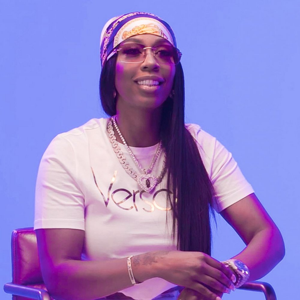 Kash Doll montre sa collection de bijoux de folie