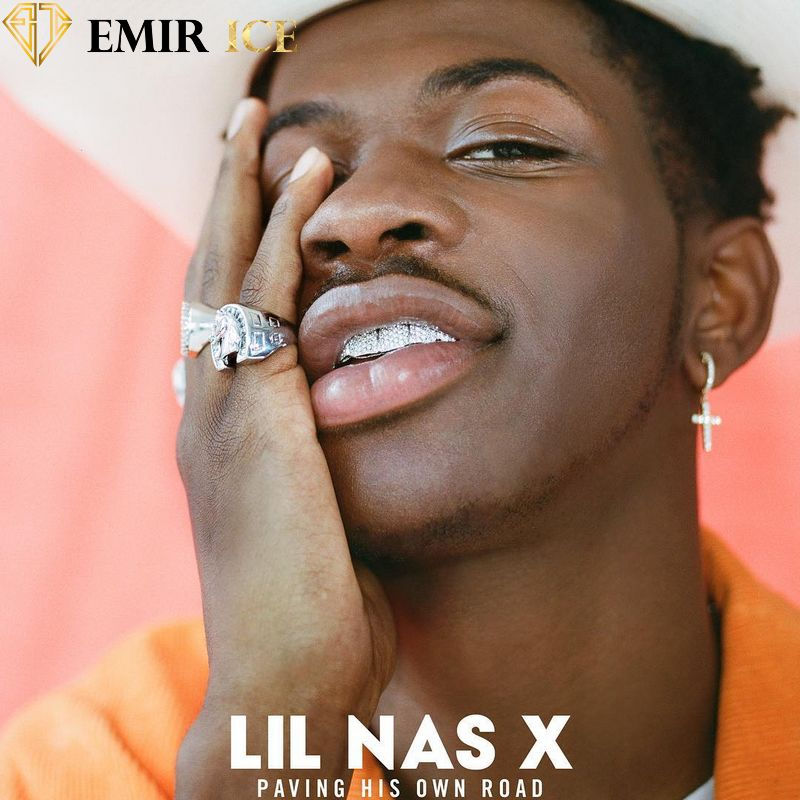 LIL NAS X BOUCLE D'OREILLE EMIR EARRINGS | PLAQUÉ OR - emirice.com
