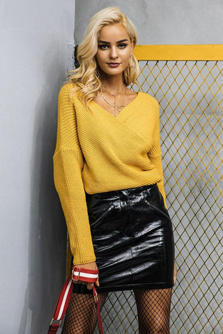 Yellow Sweater Outfits with Black Skirt For Fall Weather
