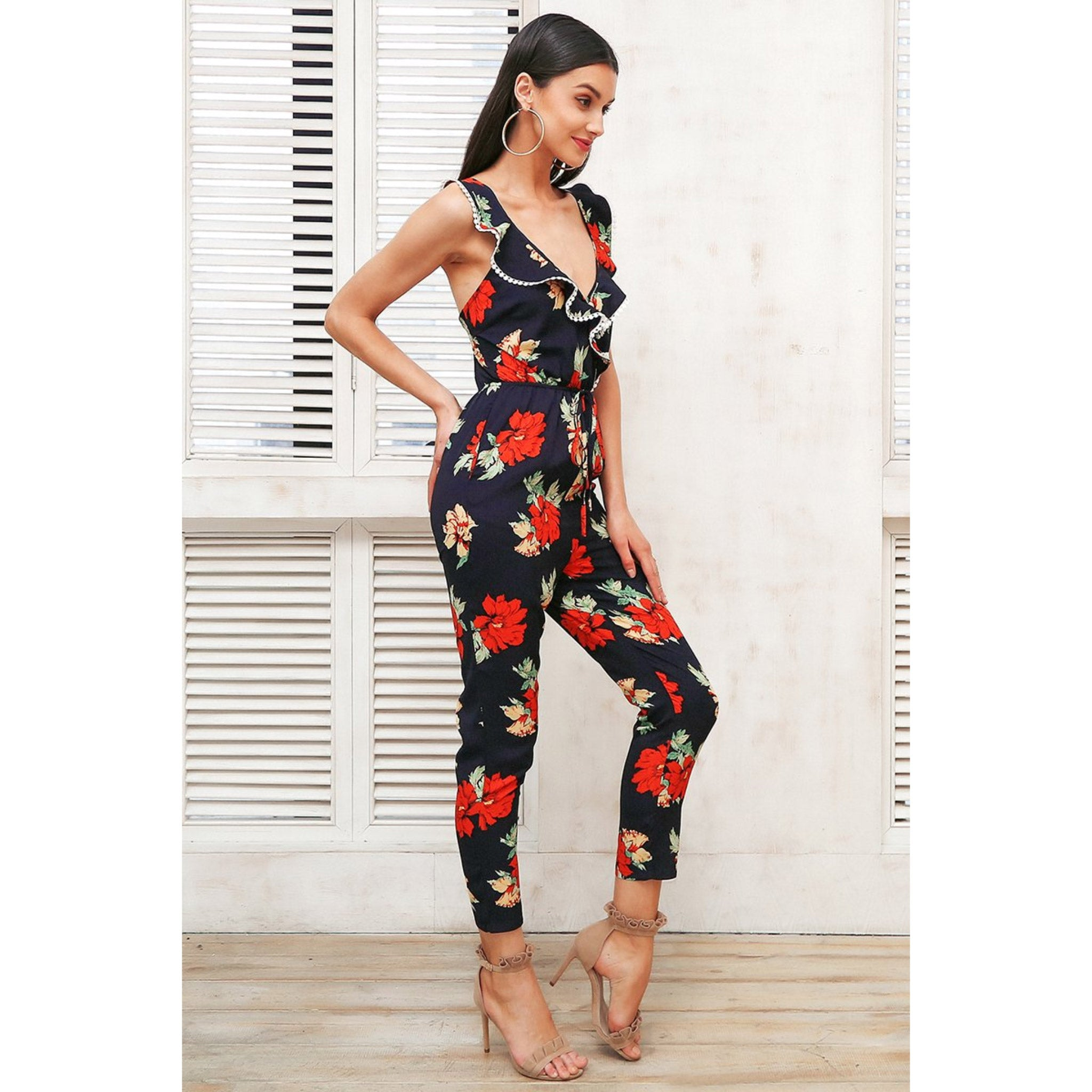 Sleeveless Jumpsuit Outfit for Women with Floral Pattern and Ruffle V-neck