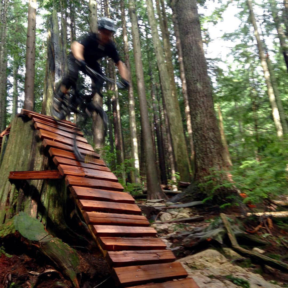 Chris uses Loam Goat brake pads on his Knolly Warden in Vancouver and Whistler.