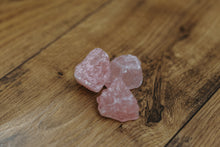 Load image into Gallery viewer, Beautiful Rough Rose Quartz Crystals