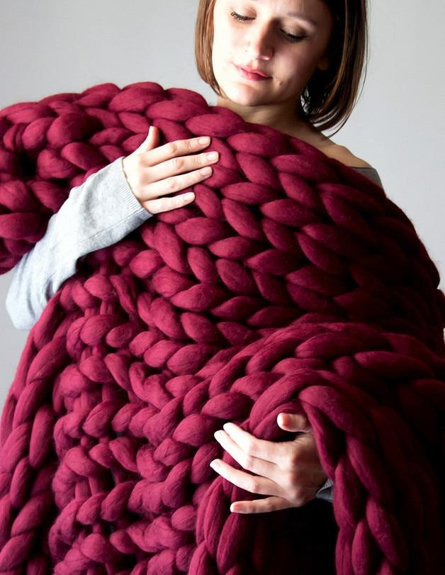 Handmade Super Chunky Knitted Blanket - Large Throw Blanket - Burgundy Red / 100x100cm(39x39 inch) - Blankets