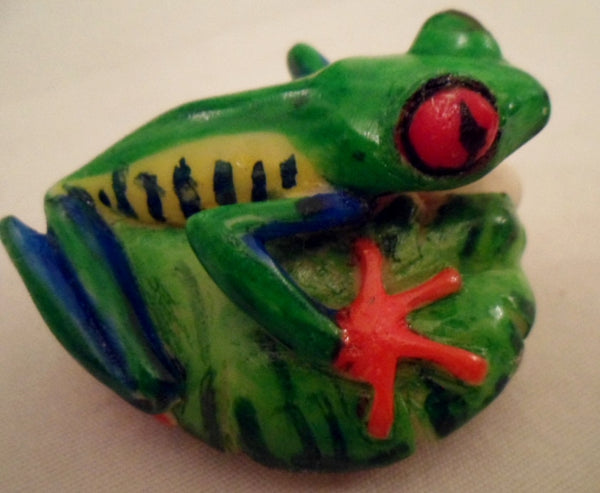 Wounaan Red-Eyed Tree Frog Tagua Nut Carving-Panama 20102229mm