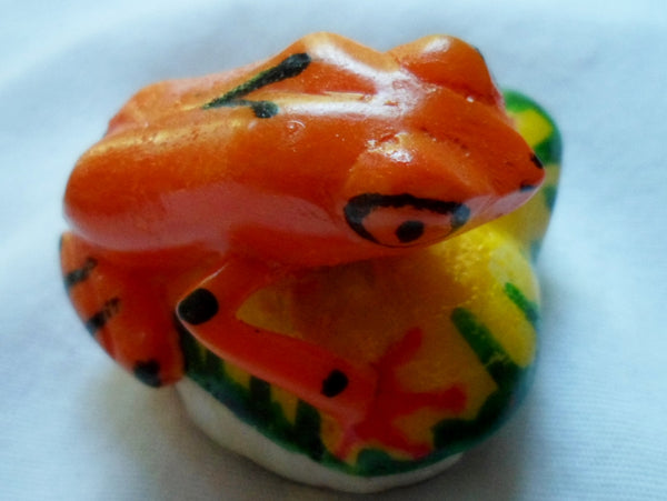Wounaan Embera Poison Dart Frog Tagua Nut Carving-Panama 20052319mm