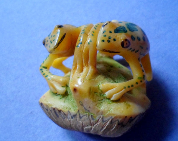Wounaan Vintage Two Frog Tagua Nut Carving-Panama 20061204mm Frog
