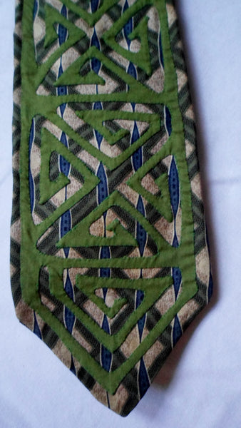 Kuna Indian Hand-Stitched Subtle Mola Necktie-Panama 20062803mm