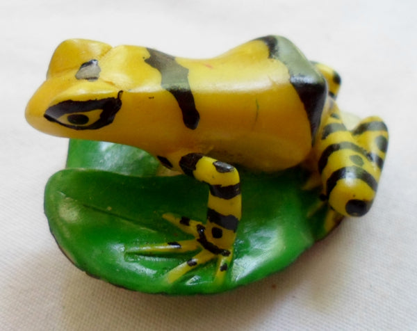 Wounaan Embera Poison Dart Frog Tagua  Nut Carving-Panama 20070101mm