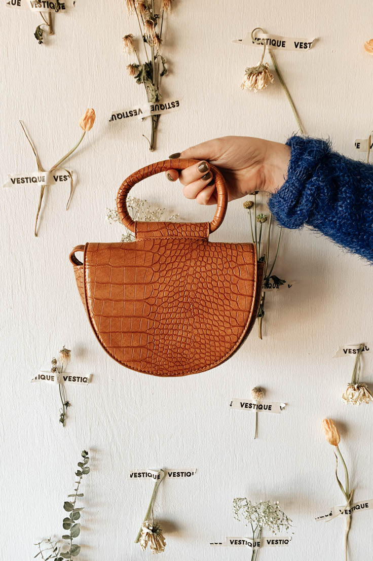 The Lily Crossbody