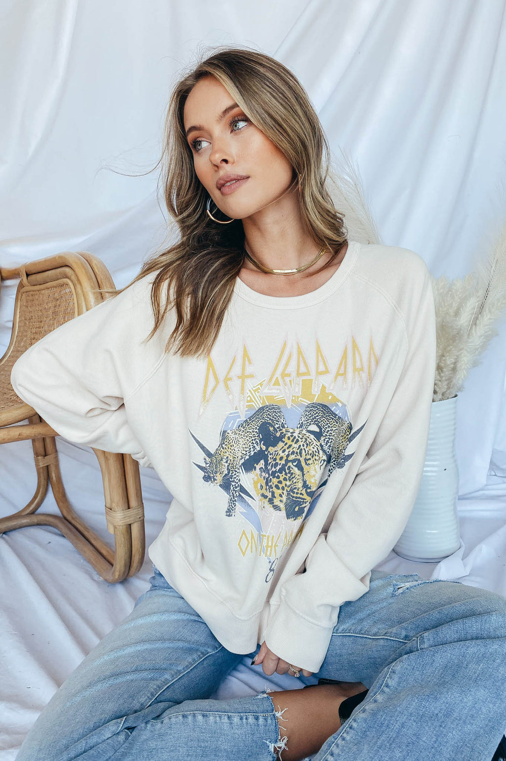 Def Leppard On The Prowl Varsity Crew Sweatshirt - Daydreamer