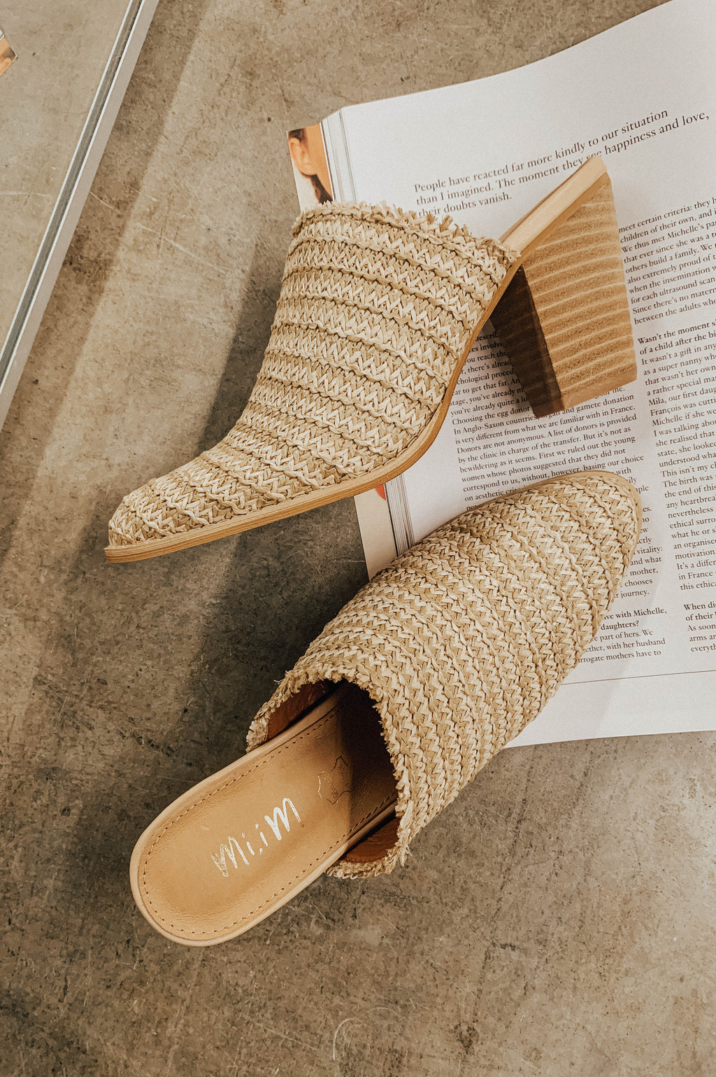 https://cdn.shopify.com/s/files/1/0020/3702/2765/files/wicker-tan-mules.MP4?v=1594324900