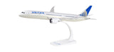 1:200 United Airlines Boeing 787-9 Dreamliner Snap-fit