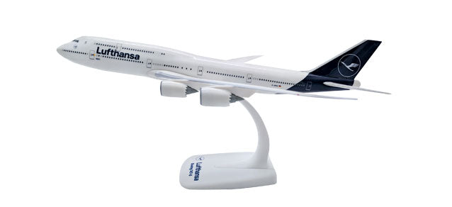1:250 Lufthansa Boeing 747-8 New Colours Snap-Fit