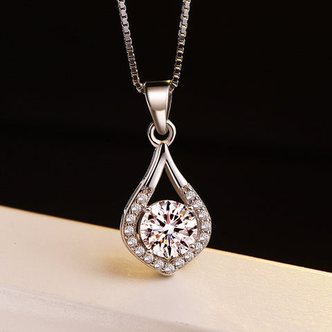 Fashion elegant love zircon pendant necklace