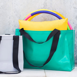 Recycled large Encore tote in green.