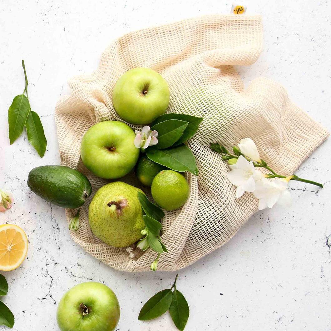 Single produce bag with apples, feijoas and pears.