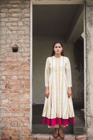 Ease Side Button Kurta - Flora waves
