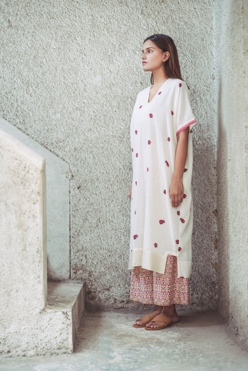 Flora waves Yoke Kurta with Prism Beadwork