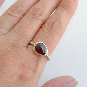 Freeform Garnet Ring Sterling Silver Rose Cut Gemstone Jewellery Size 8.5