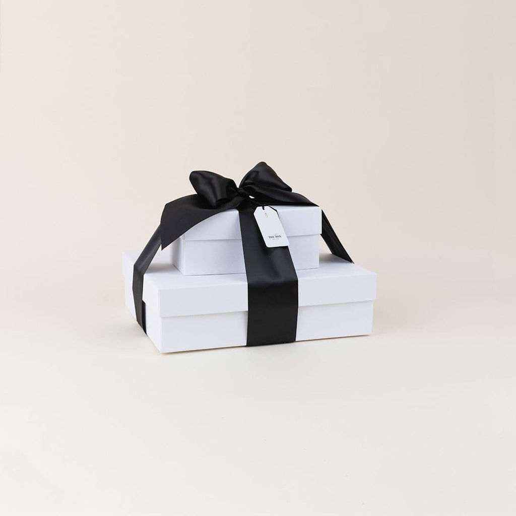Black Luxury: Couples Throw & Candles Gift Box