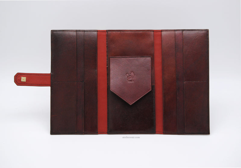 No. W07C | J.J. Traveler's Wallet (Cowhide Lined Interior)