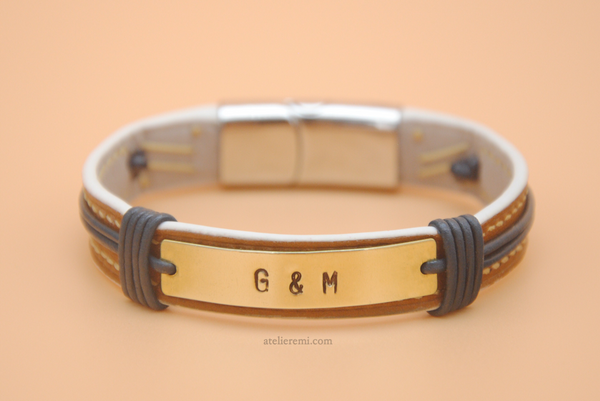 No. B02C-S | Grace Bracelet - Single (Cowhide Lined Interior)