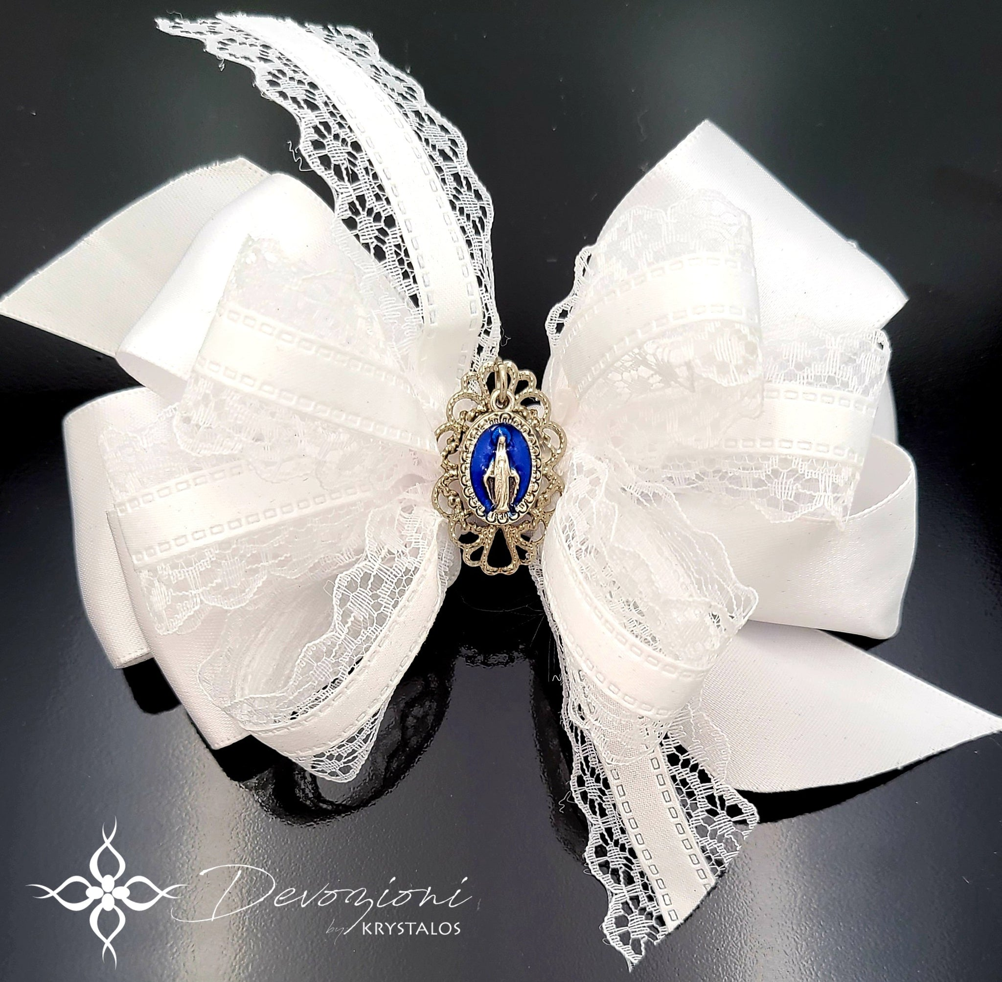 Virgin Mary (Miraculous Medal) Bow for Girls in White Satin and Lace - Floreli + Devozioni
