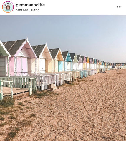 Opari Lifestyle Blog - Top Pretty Beach Huts UK dog-friendly travel guide