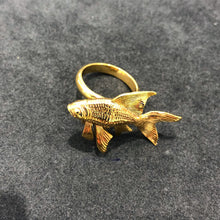 Load image into Gallery viewer, Goldfish Ring