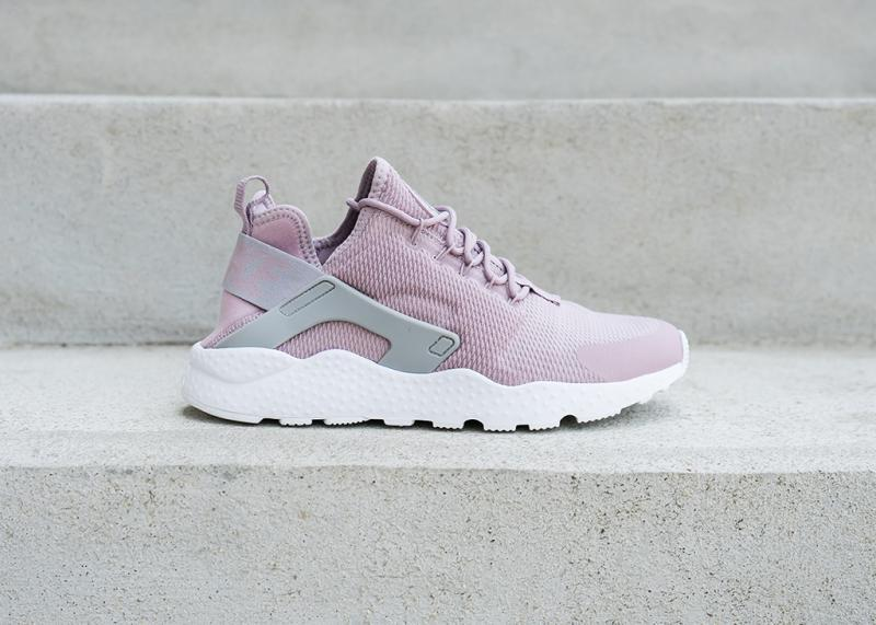 best website 30610 647df NIKE - Women - W Air Huarache Run Ultra - Pink/Gray