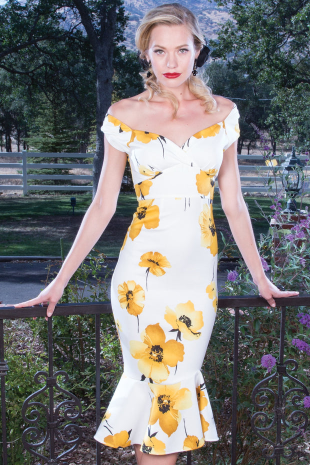 Beautiful Marleen Dress in Yellow Rose Print,stopstaring.