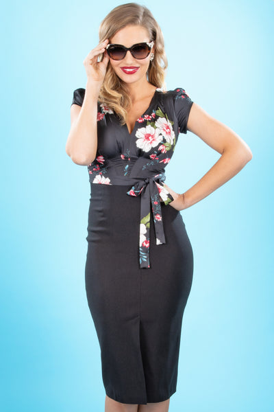 Skyla Fitted Dress in Black Floral