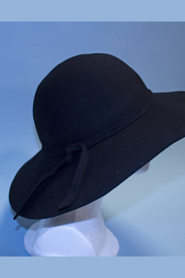 Timeless Black Bombshell Hat