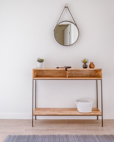 Expert Ideas to Style a Console Table