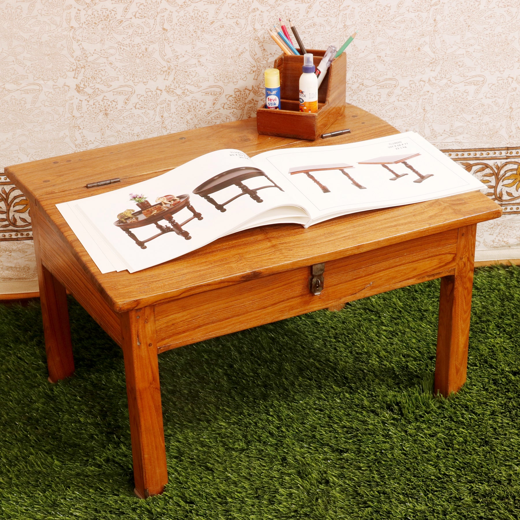 Traditional Simple Munim Desk
