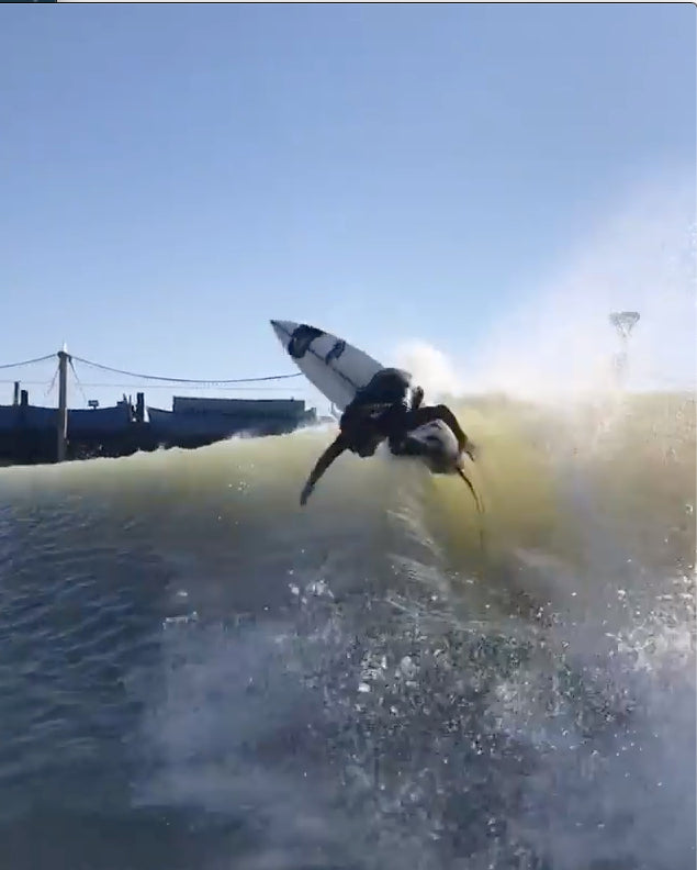 Vitor Mendez at the Surf Ranch on an MGX