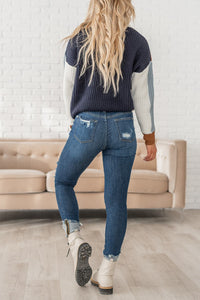 Center of Attention Distressed Jeans