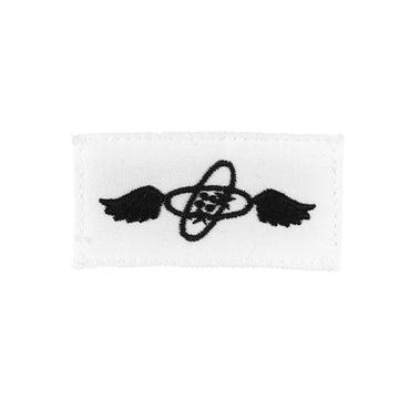 NAVY (AT) Striker Mark Rating Badge: Aviations Electronics Technician - White