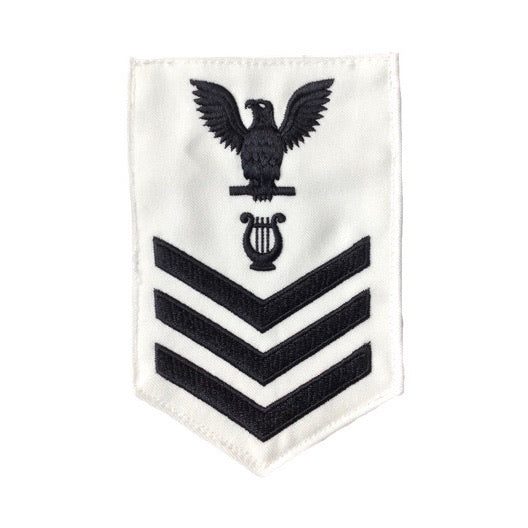 NAVY Men's E4-E6 (MU) Rating Badge: Musician - White